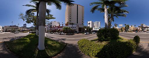 Avenida Costera Miguel Alemán. Acapulco, México