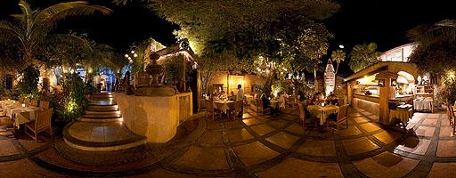 Patio del restaurante La Panga Antigua. San José del Cabo, México