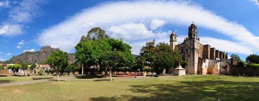 El ex-convento de la Natividad. Tepoztlán, Morelos.